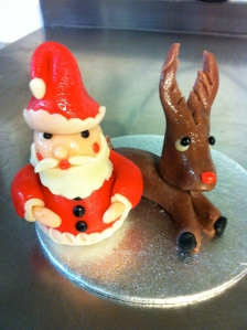 Santa & Rudolph..ready to grace your cake or to bite the heads off ;0