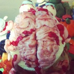 I cut part of the top of the skull and filled it with a sugar paste brain :)